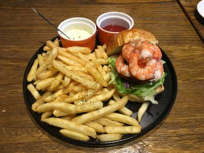 The Harbor Shrimp Burger and the Queen's Time Cafe'